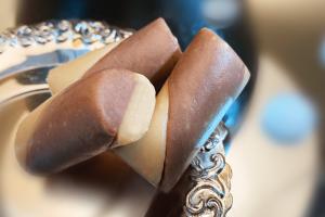 Chocolate Mawa Roll